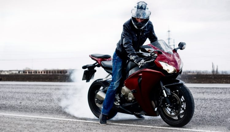 Как научиться водить автомобиль, мотоцикл